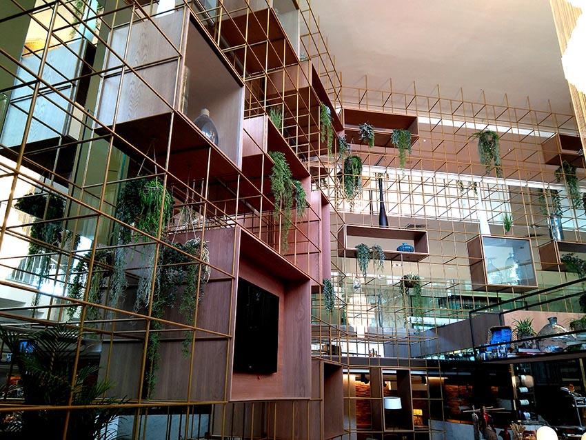 ajardinamiento interior hotel 2